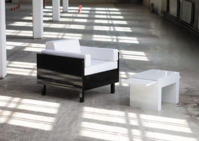 Click -nojatuoli ja sohvapöytä